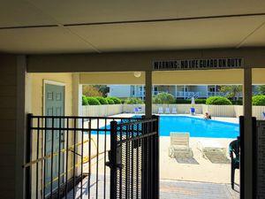 Channel Walk - Swimming Pool