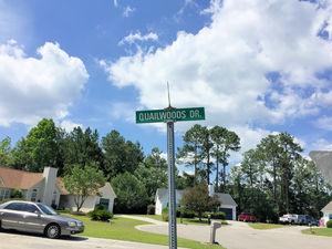 Quail Woods - Street Sign