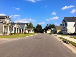 Hanover Lakes - Streetscape