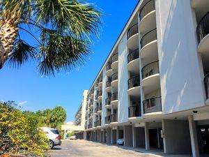 Duneridge Resort - Front of Building