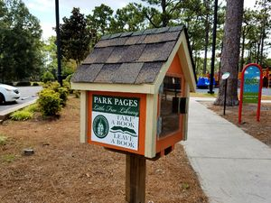Hugh MacRae Park - Little Free Library