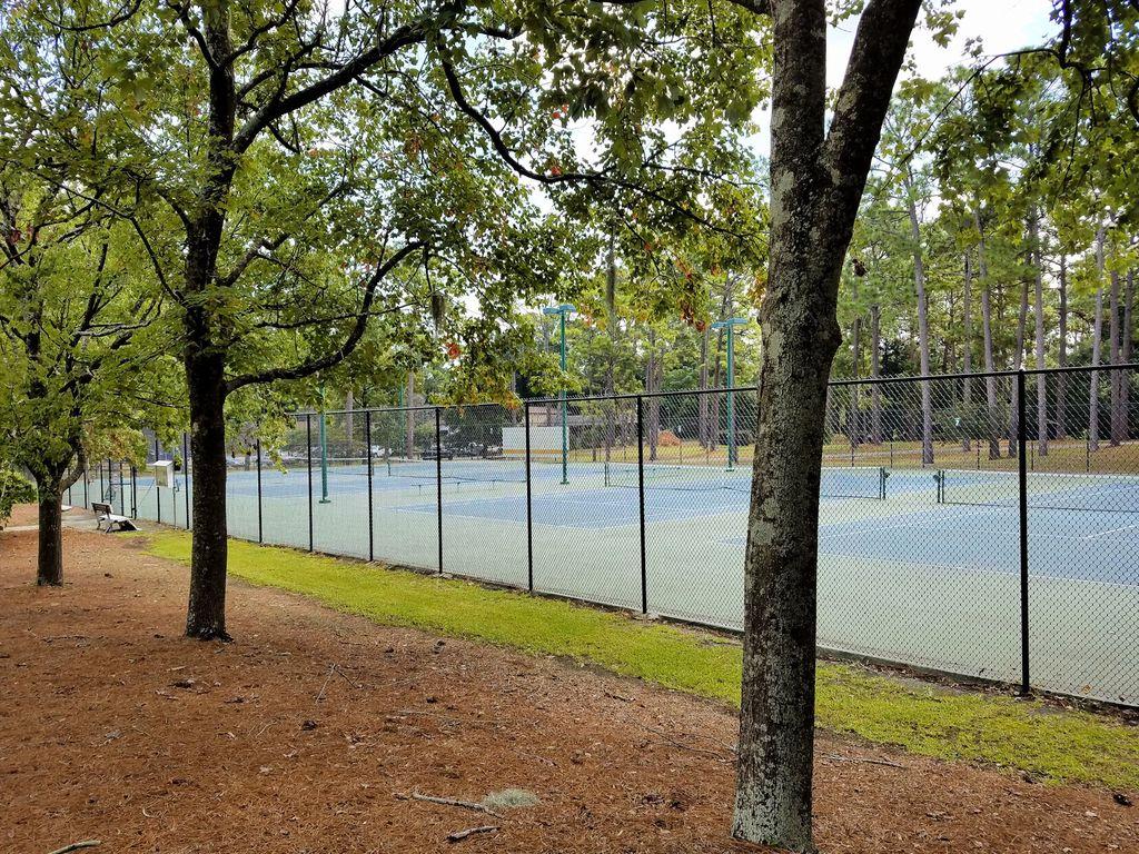 Hugh MacRae Park - Tennis Courts
