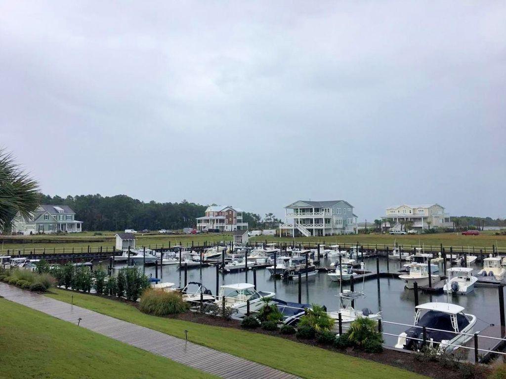 Helms Port - Marina on a Rainy Afternoon