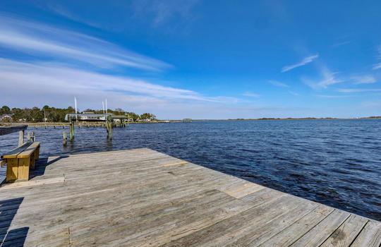 122 Chadwick Ct, Sneads Ferry, NC 28460