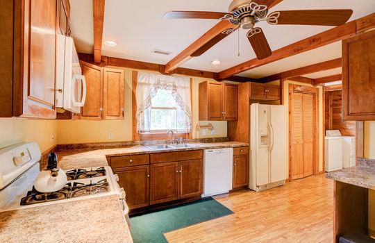 317 Kemper Rd Hampstead NC-large-012-011-Kitchen-1497×1000-72dpi