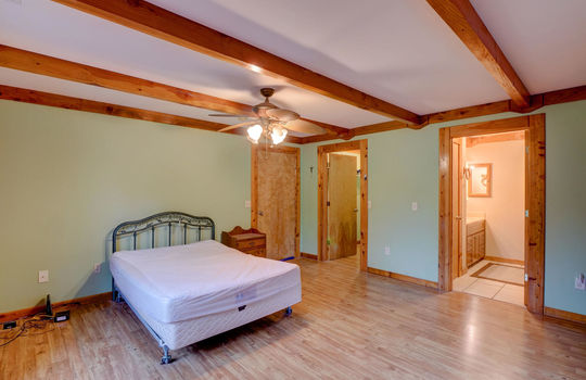 317 Kemper Rd Hampstead NC-large-018-033-Master Bedroom-1498×1000-72dpi