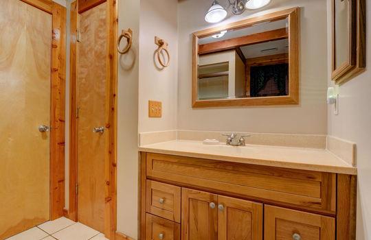 317 Kemper Rd Hampstead NC-large-020-034-Master Bathroom-1498×1000-72dpi