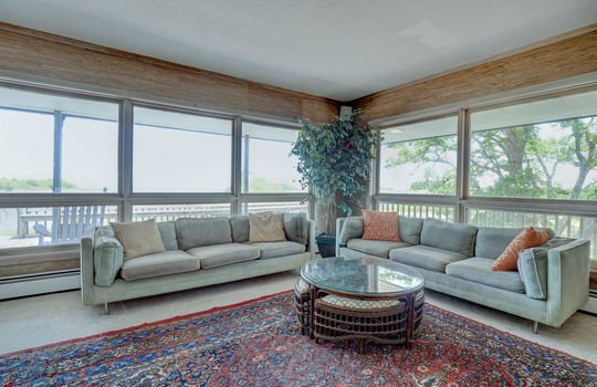 5550 Peden Point Rd Wilmington-large-016-025-Great Room-1496×1000-72dpi