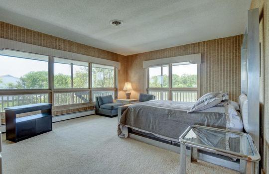 5550 Peden Point Rd Wilmington-large-017-022-Master Bedroom-1497×1000-72dpi