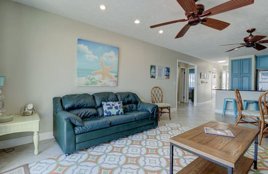 1100 Fort Fisher Blvd N 1403-large-013-018-Living Room-1496×1000-72dpi