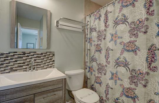 1100 Fort Fisher Blvd N 1403-large-018-021-Master Bathroom-1497×1000-72dpi