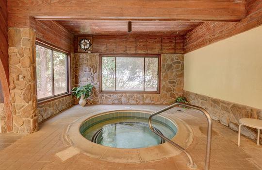 1100 Fort Fisher Blvd N 1403-large-050-046-Community Indoor Hot Tub-1497×1000-72dpi