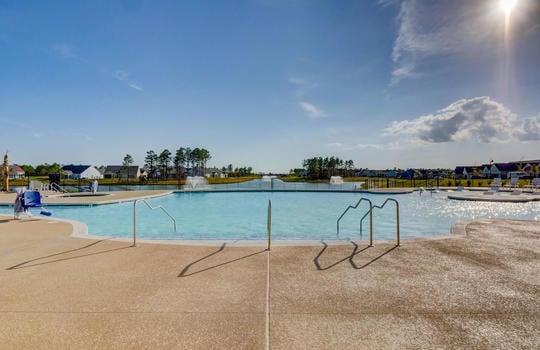 Del Webb at RiverLights Outdoor Swimming Pool