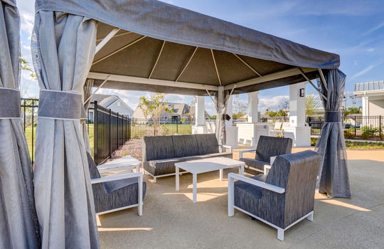 Del Webb at RiverLights Clubhouse Outdoor Seating