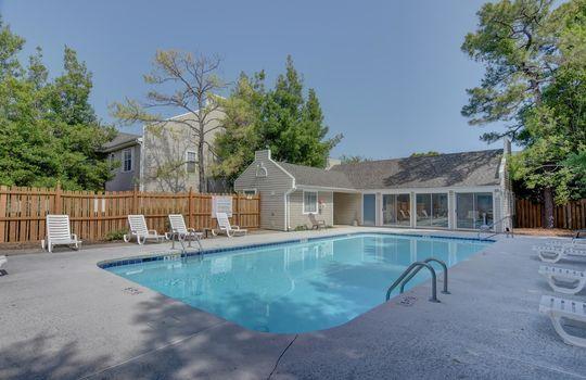 Hampton Place – Community Swimming Pool