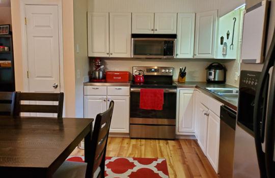 5207 Fitzgerald Dr-Kitchen