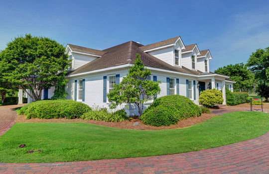 317 Seascape Dr, Sneads Ferry, NC 28460