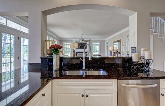 104-Pelican-Cove-Sneads-Ferry-large-026-029-Kitchen-1497×1000-72dpi
