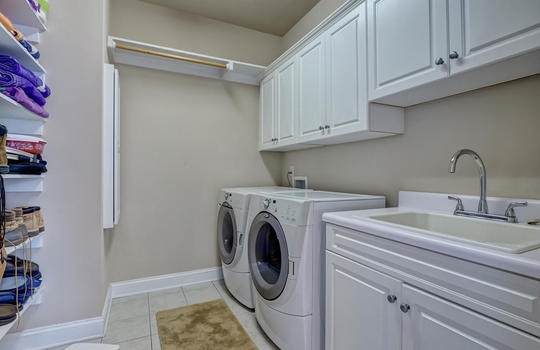 104-Pelican-Cove-Sneads-Ferry-large-029-031-Laundry-Room-1497×1000-72dpi