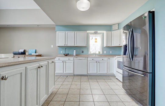 1209-N-Topsail-Dr-Surf-City-NC-large-008-004-Kitchen-1497×1000-72dpi