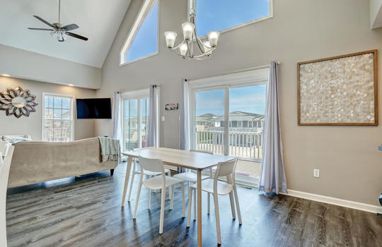 1209-N-Topsail-Dr-Surf-City-NC-large-012-008-Dining-Room-1497×1000-72dpi