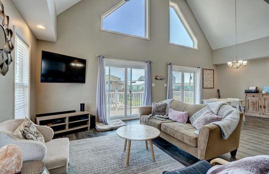 1209-N-Topsail-Dr-Surf-City-NC-large-016-014-Living-Room-1497×1000-72dpi