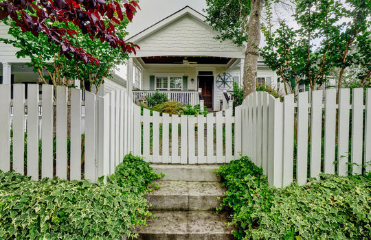 2022-Metts-Ave-Wilmington-NC-large-002-006-Front-Gate-White-Picket-Fence-1497×1000-72dpi