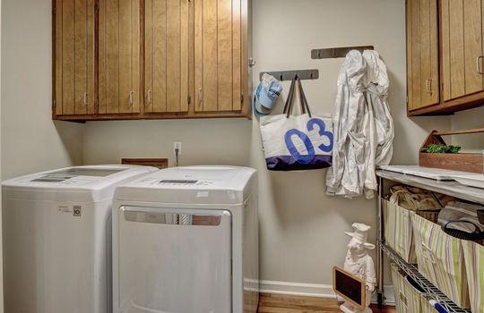 3317-Tipton-Ct-Wilmington-NC-large-010-008-Laundry-Room-1498×1000-72dpi