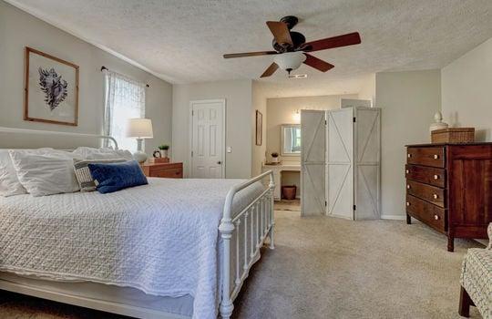 3317-Tipton-Ct-Wilmington-NC-large-020-020-Master-Bedroom-1497×1000-72dpi