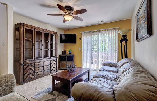 3958-Winds-Ridge-Dr-Wilmington-large-013-011-Living-Room-1498×1000-72dpi