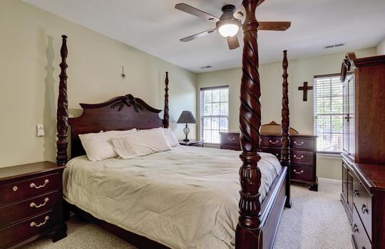 3958-Winds-Ridge-Dr-Wilmington-large-016-020-Master-Bedroom-1497×1000-72dpi
