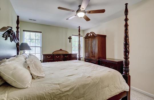 3958-Winds-Ridge-Dr-Wilmington-large-017-018-Living-Room-1497×1000-72dpi