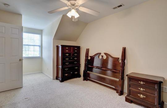 3958-Winds-Ridge-Dr-Wilmington-large-020-012-Bedroom-2-1497×1000-72dpi