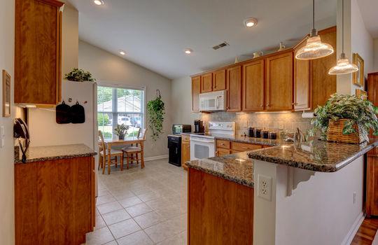 4924-Coronado-Dr-Wilmington-NC-large-005-007-Kitchen-1497×1000-72dpi