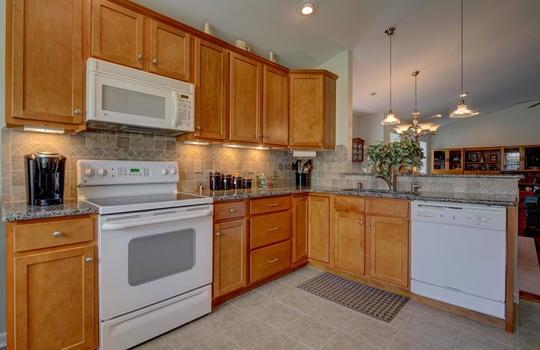 4924-Coronado-Dr-Wilmington-NC-large-007-009-Kitchen-1497×1000-72dpi