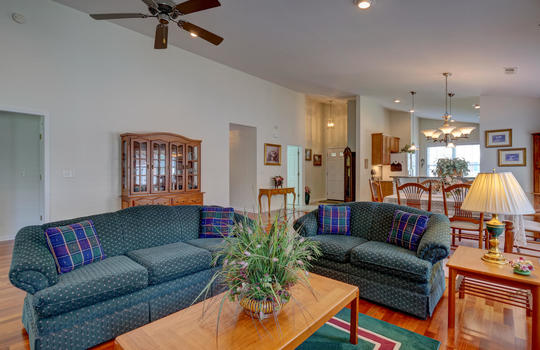 4924-Coronado-Dr-Wilmington-NC-large-014-018-Living-Room-1498×1000-72dpi