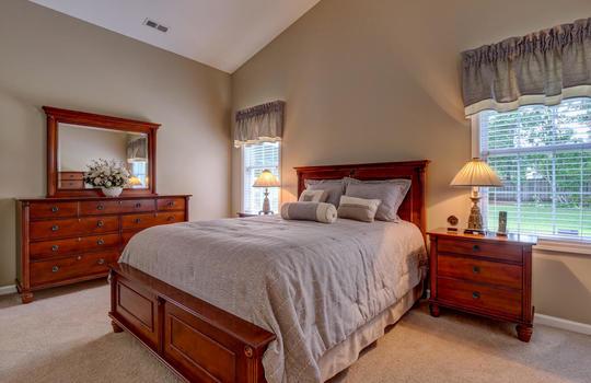 4924-Coronado-Dr-Wilmington-NC-large-021-027-Master-Bedroom-1497×1000-72dpi