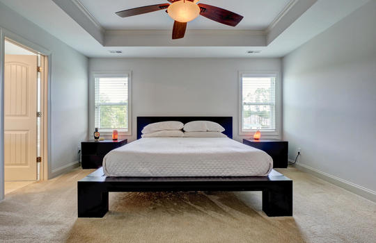 70-Peoples-Ct-Hampstead-NC-large-017-016-Master-Bedroom-1497×1000-72dpi