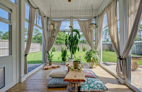70-Peoples-Ct-Hampstead-NC-large-026-027-Screened-Porch-1496×1000-72dpi
