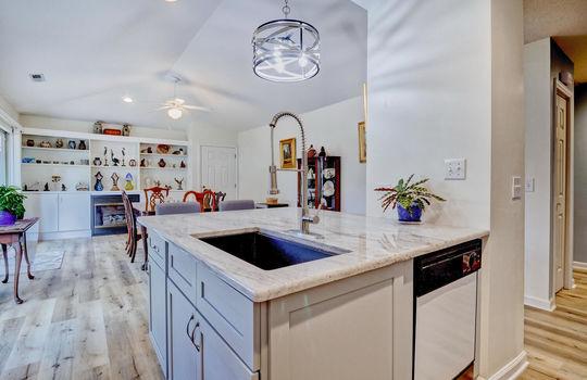 936-Summerlin-Falls-Ct-large-016-002-Kitchen-1498×1000-72dpi
