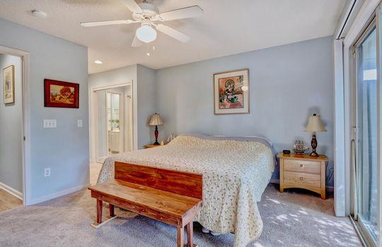 936-Summerlin-Falls-Ct-large-022-011-Master-Bedroom-1497×1000-72dpi
