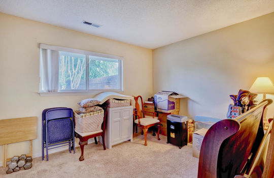 936-Summerlin-Falls-Ct-large-029-013-Bedroom-2-1497×1000-72dpi