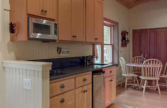 976-Blue-Valley-Rd-Highlands-NC-28741-Website-Photos-Guest-House-11