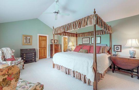 976-Blue-Valley-Rd-Highlands-NC-28741-Website-Photos-Main-House-29