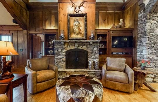 856 Ravenel Ridge Road Highlands NC Family Room