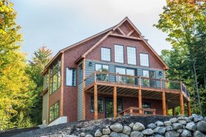 Custom vs. speculative homes