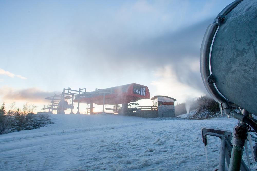 Snowgun at the top of the Chondola