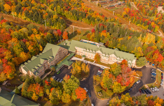 Grand Summit Hotel with foliage