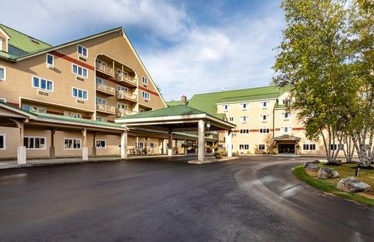 Grand Summit Hotel arrival