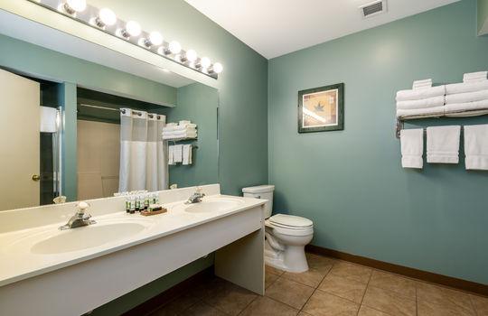 3-bed bathroom
